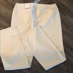 Chico's Platinum Denim Slims cotton & spandex